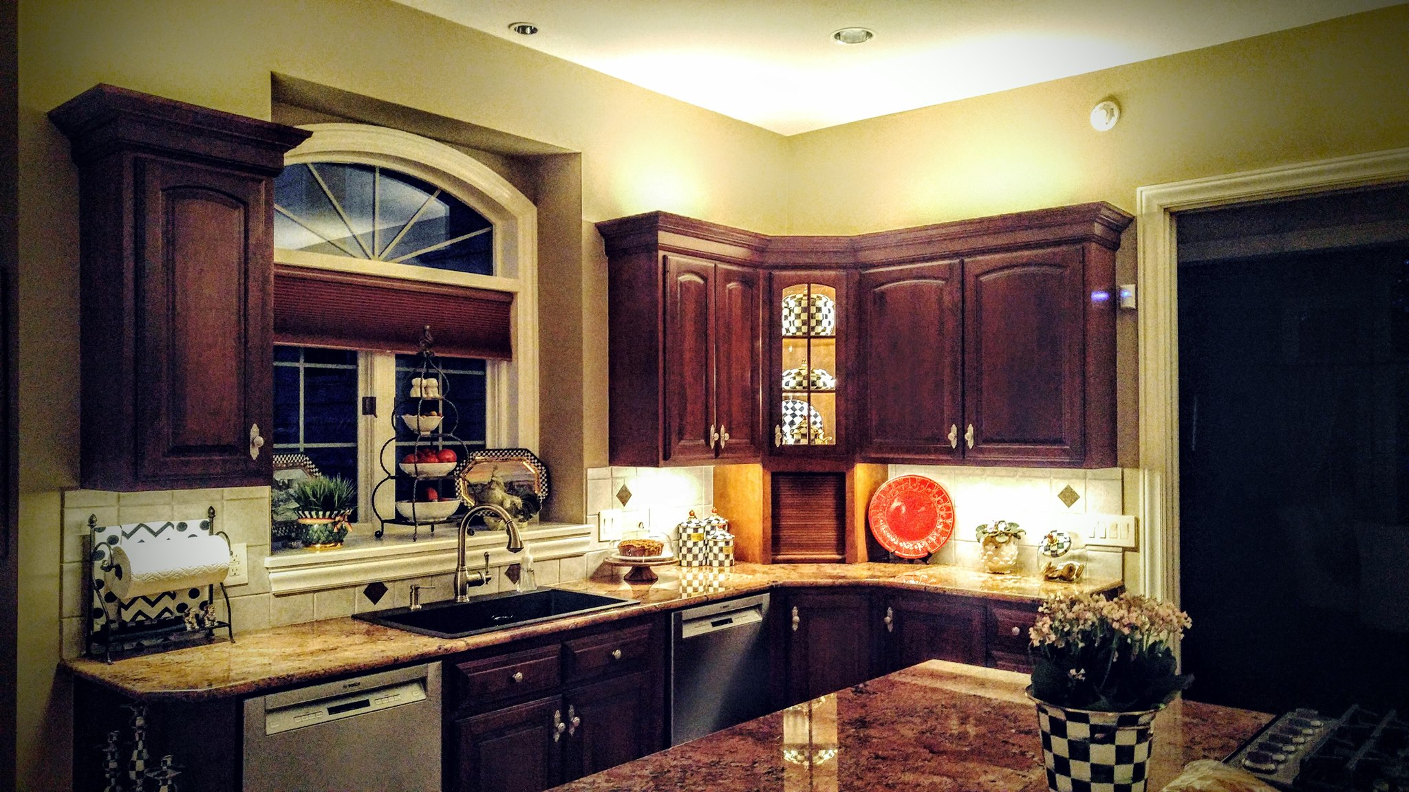 Kitchen Up Lighting And Under Cabinet Lighting Pilosi Electric - Kitchen up lighting